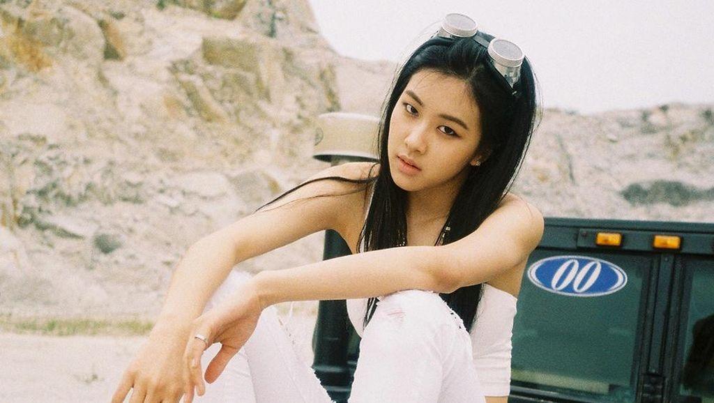 Kenalan dengan Rose, Member ke-4 Girlband Baru YG Entertainment