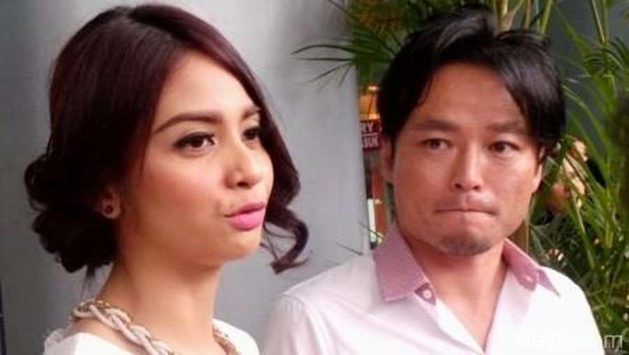 Suami Mualaf Tiwi eks T2 Masih Puasa Setengah Hari
