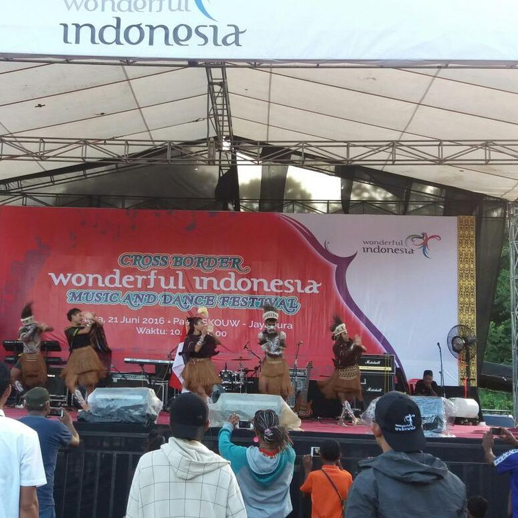 Wonderful Indonesia, Ketika Konser Digelar Di Pasar Pelosok Nusantara