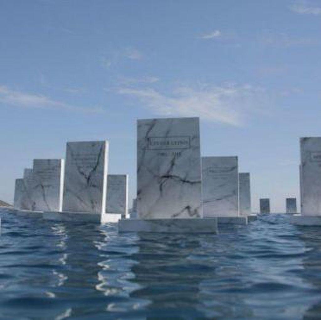 Instalasi Kuburan Laut Mengenang Pengungsi Suriah