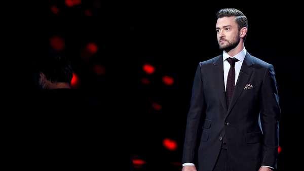 Hot Daddy! Justin Timberlake Gagah Tampil Necis