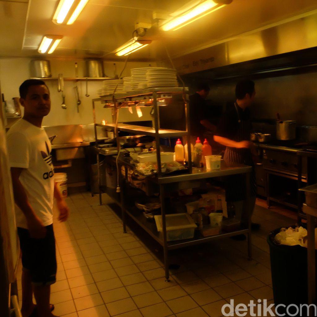 Kisah Edy Triyanto, Pria Blitar yang Jadi Kepala Koki di Restoran Darwin