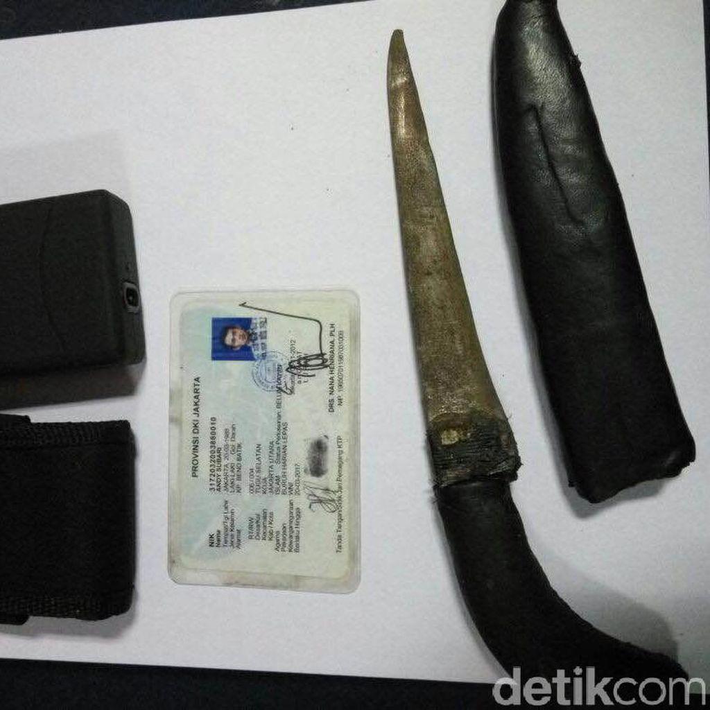 Rampas Dompet Wanita di Cakung, 2 Penjambret Kritis Diamuk Warga