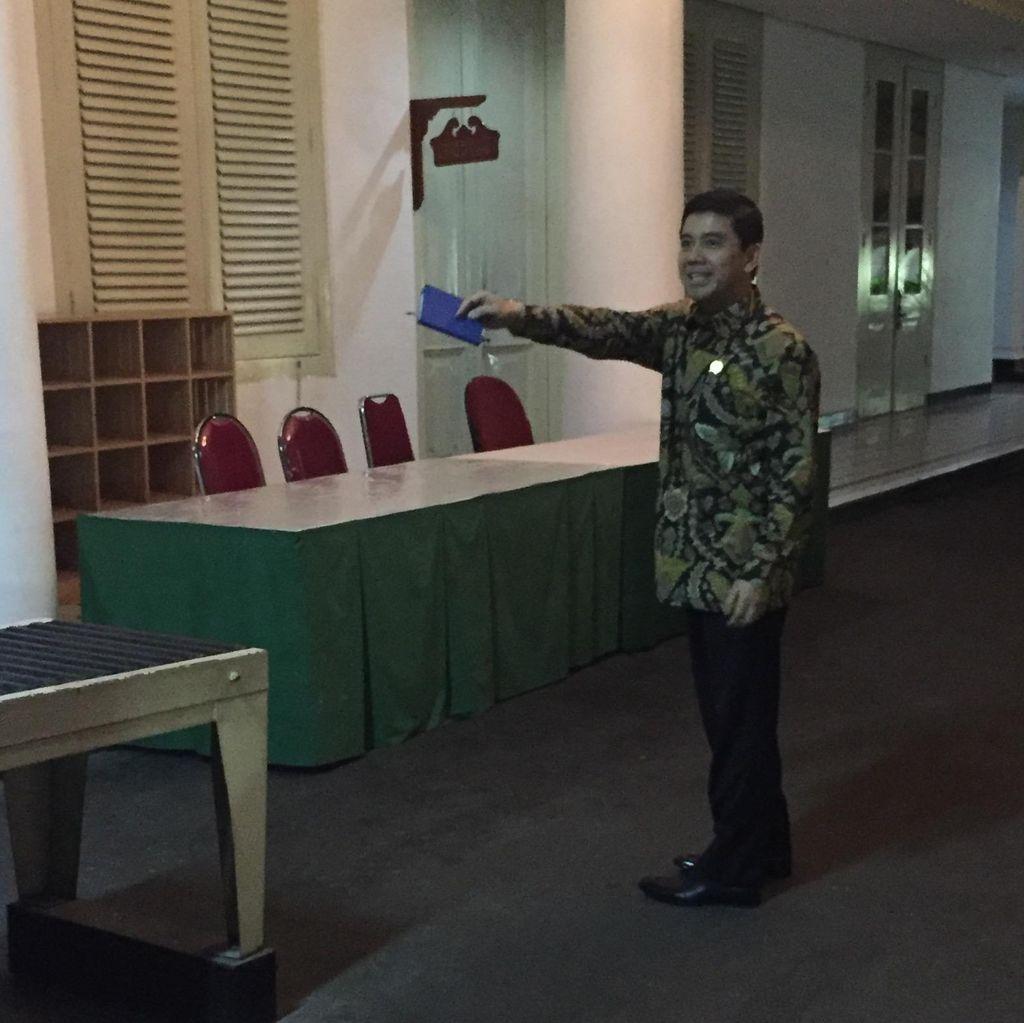 Usai Dipanggil Jokowi-JK, Menteri Yuddy Buru-buru Tinggalkan Istana