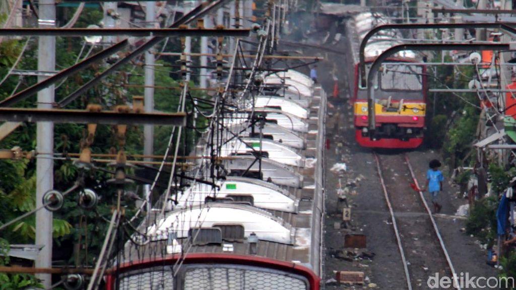 Walaupun Cepat, Commuter Line Masih Kurang Nyaman