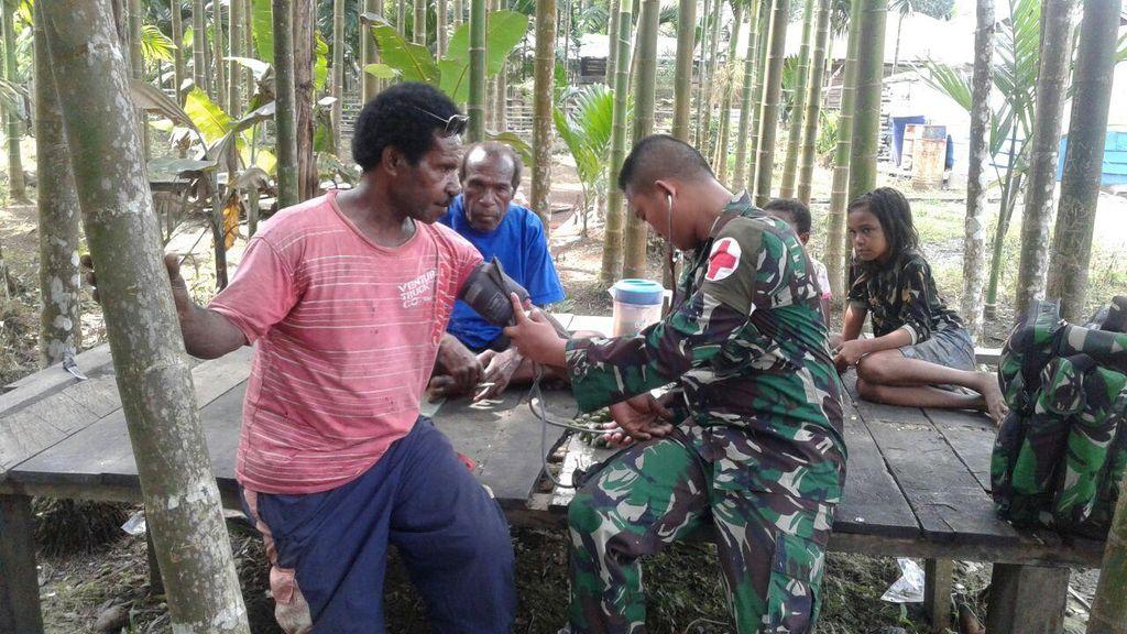 Aksi TNI dan Wajah Pelayanan Kesehatan di Perbatasan Papua-PNG