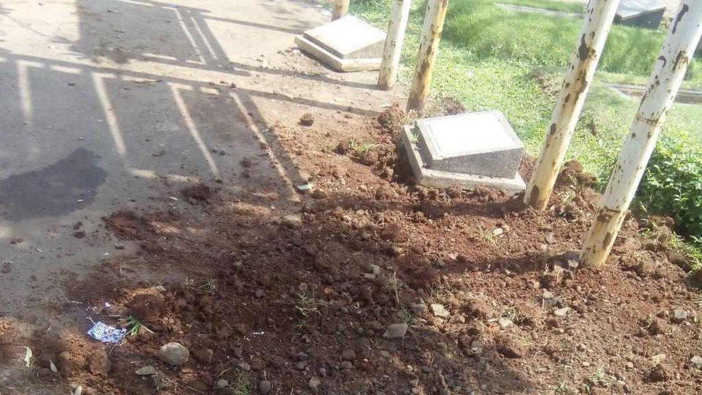 16 Makam Fiktif di TPU Tanah Kusir Dibongkar, Isinya Aspal dan Konblok