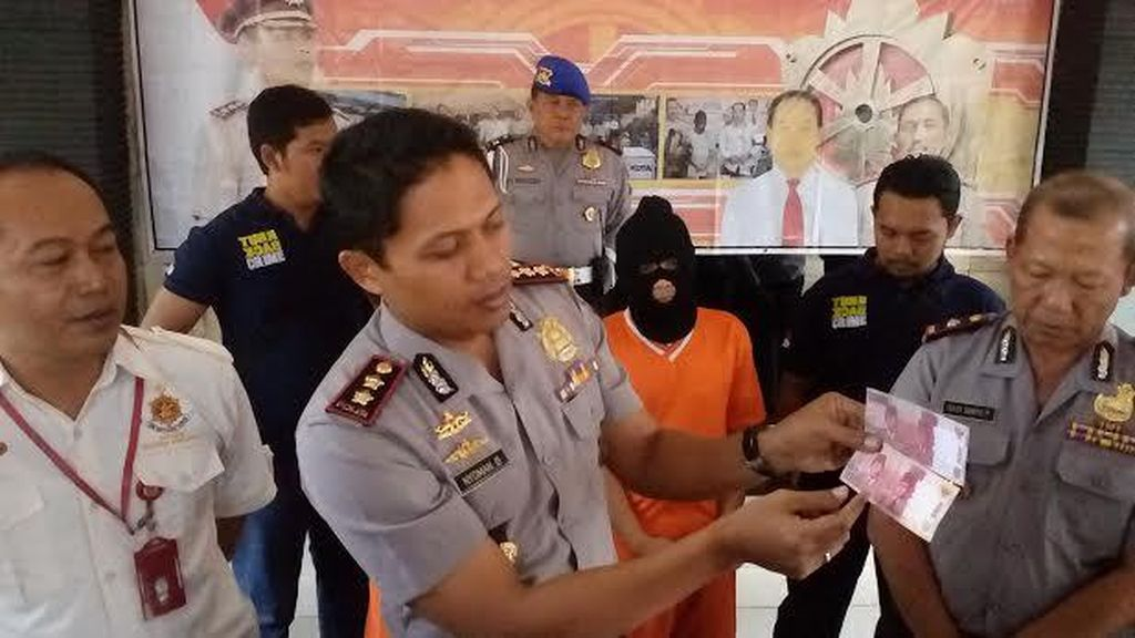 Pria ini Edarkan Upal Rp 115 Juta dengan Ritual Penggandaan Uang