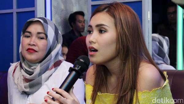 Ikut Karaokean Sama Ayu Ting Ting, Yuk!