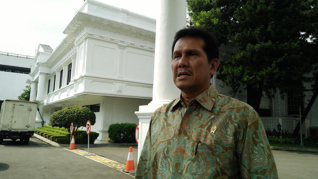 Menpan Wajibkan Pelayanan Kantor Pemerintahan Seperti Bank