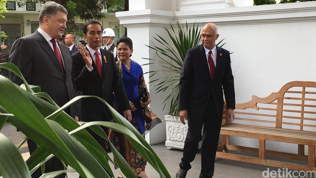 Jokowi ke Presiden Petro Poroshenko: Indonesia Tak akan Lupa Jasa Ukraina