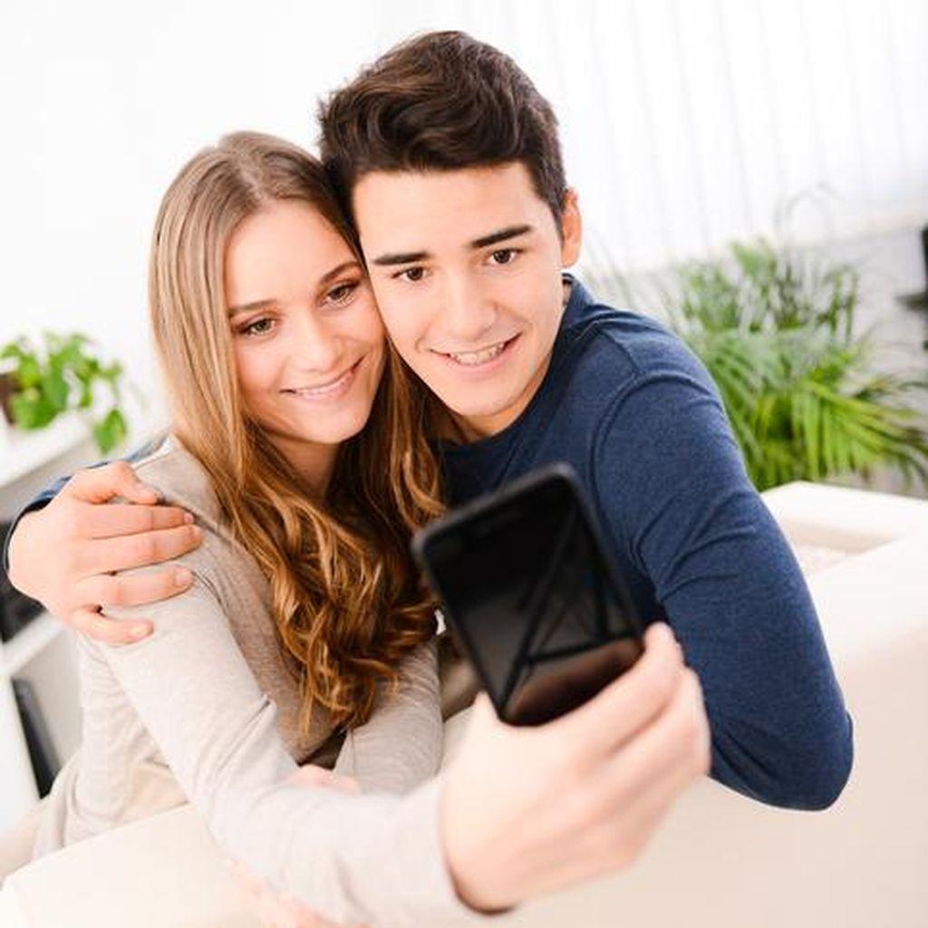 Kenapa Si Dia Tidak Mau Pamer Sudah Punya Kekasih di Media Sosial?