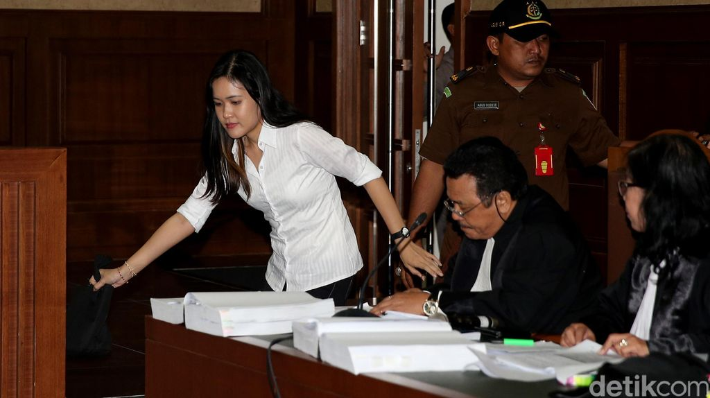 Psikiater: Jessica Wongso Bermasalah Akhir 2015