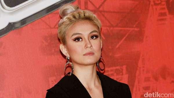 Agnez MO Kini Berambut Nude Ash Blonde, Yay or Nay?
