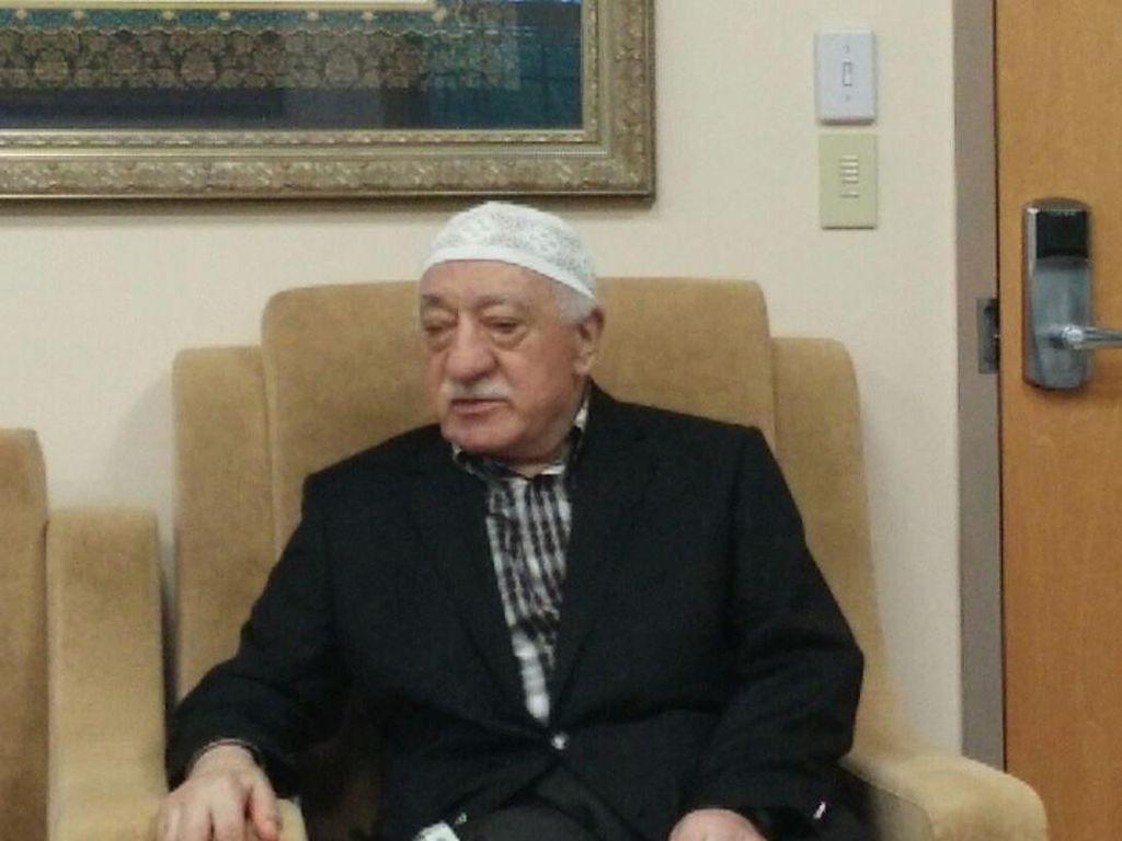 Gulen: Saya Tidak Pernah Mendukung Erdogan