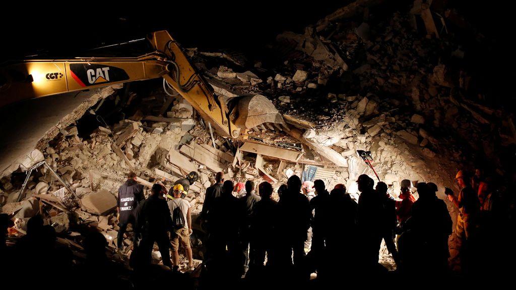 Charlie Hebdo Samakan Korban Gempa dengan Lasagna, Digugat Pemerintah Italia