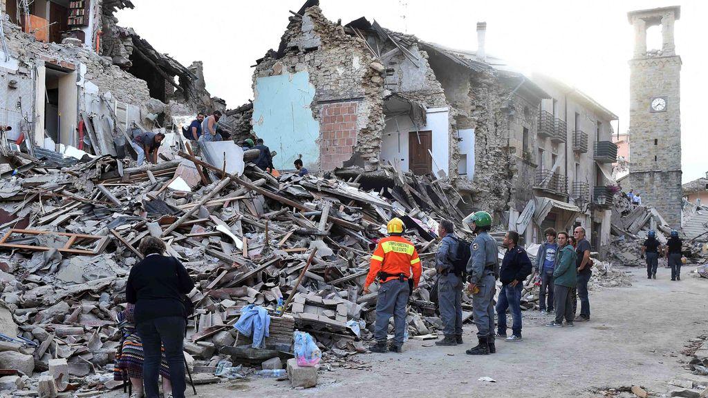 9 Hari Usai Gempa Italia, Romeo Ditemukan Selamat dari Puing-puing Bangunan