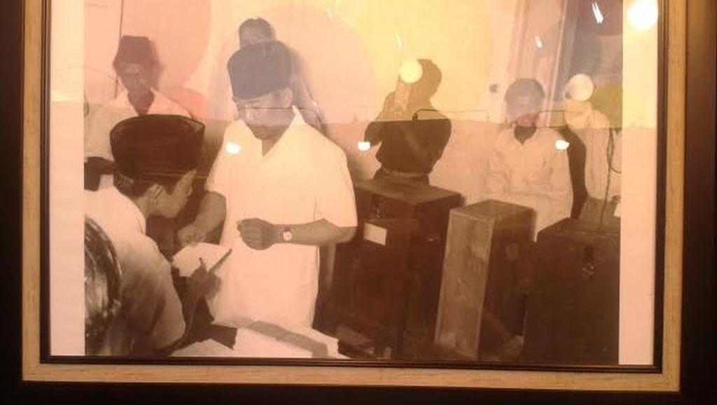 Melihat Momen-momen Sukarno, Hatta, Hingga Soeharto Dalam Foto di Sarinah