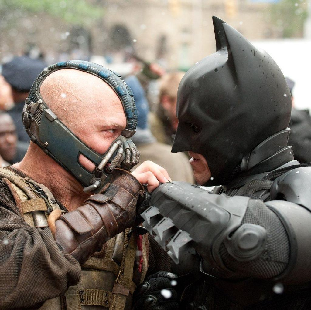 The Dark Knight Rises Jadi Simbol Sosok Batman Tak Terganti