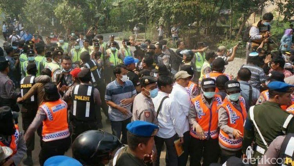 Eksekusi Lahan Terdampak Tol Moker Ricuh, Belasan Warga Diamankan