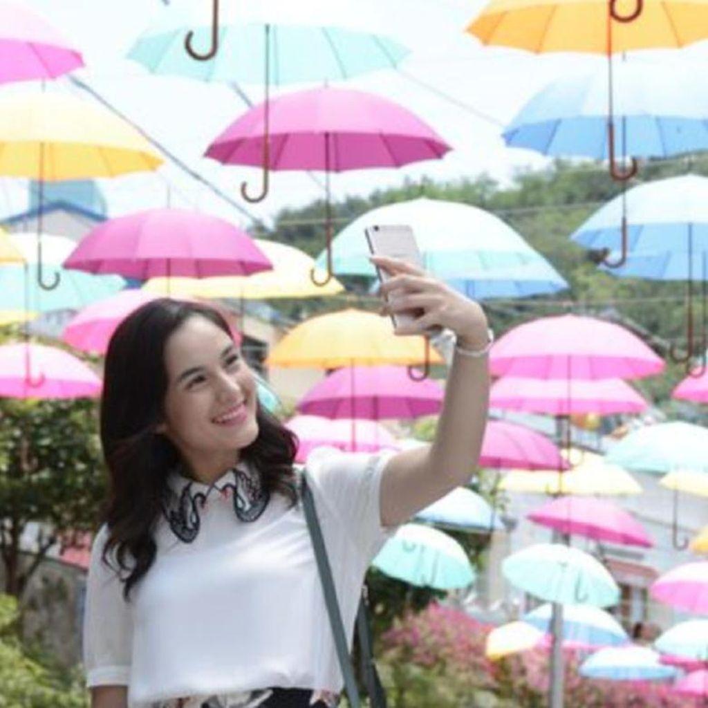 Ini Kisah Seru Chelsea Islan Seputar Selfie dengan Penggemar