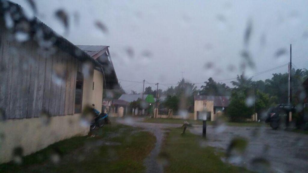 Jelang Musim Hujan, Risma: Semua Sudah Diantisipasi, Sekarang Tinggal Berdoa