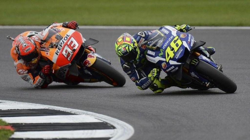 Rossi Senang Bisa Finis di Depan Marquez