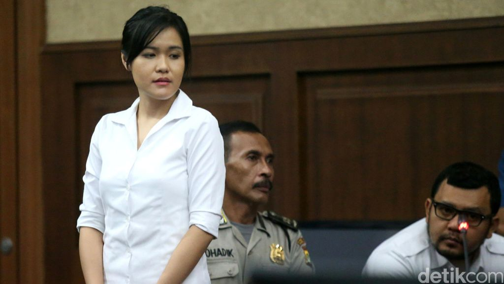 Hakim: Setelah Mirna Tewas Jessica Bikin Catatan Kronologi Peristiwa