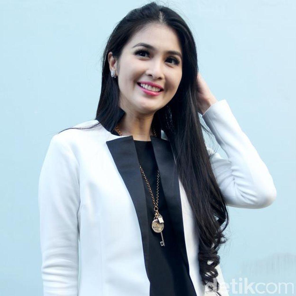 Jelang Menikah, Sandra Dewi Makin Bersinar