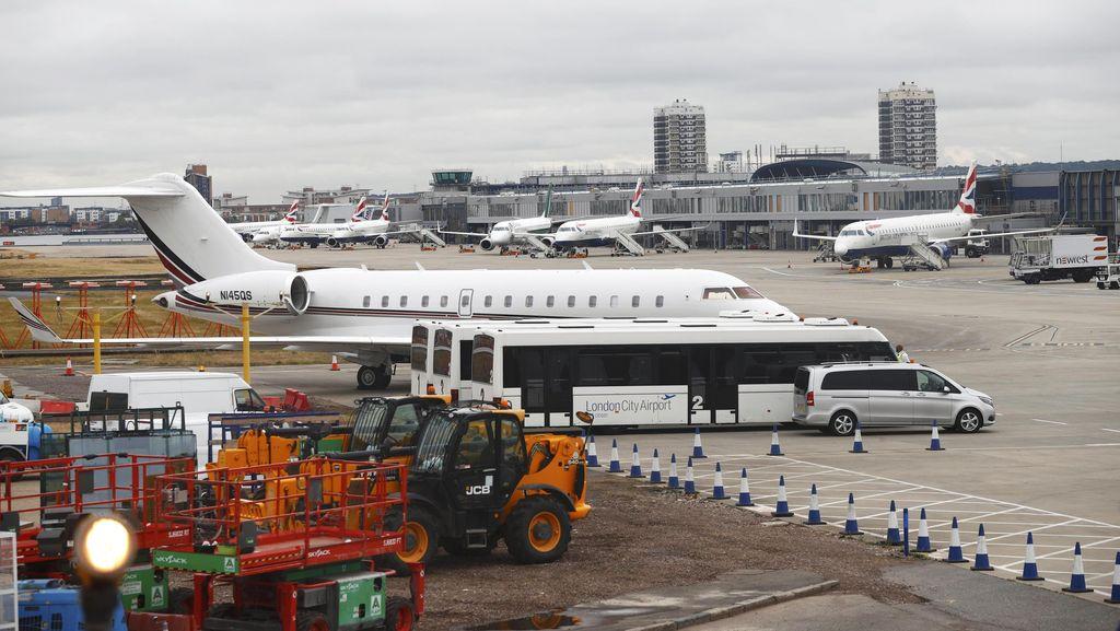 Ada Masalah Komputer dan Unjuk Rasa, Penerbangan British Airways Tertunda