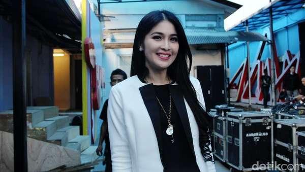 Soon To Be Bride, Sandra Dewi Makin Cantik Aja!
