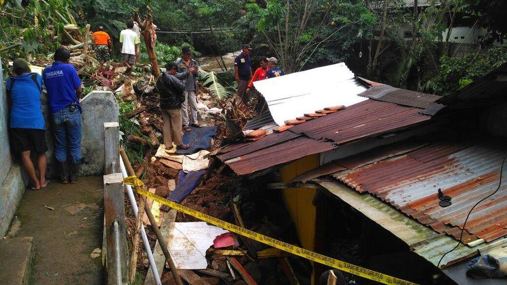 Tebing di Bogor Longsor, 1 Orang Tewas Tertimbun