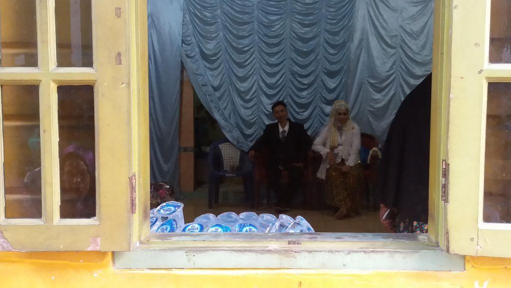 Rumah di Pondok Pinang Banjir, Pasangan ini Pindah Resepsi Nikah ke Balai Warga