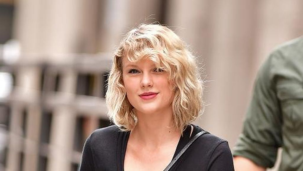 Kado 10 Tahun Bermusik, Album Pertama Taylor Swift Dirilis Ulang