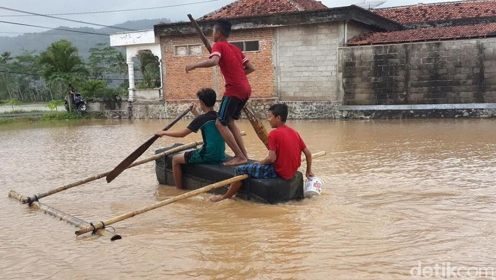 Diguyur Hujan Semalam, Pacitan Tergenang