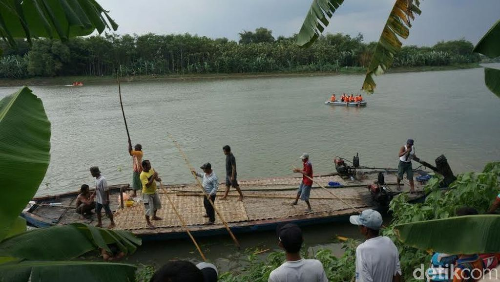 Tiga Santri Tenggelam di Sungai Brantas Saat Cuci Jeroan Hewan Kurban