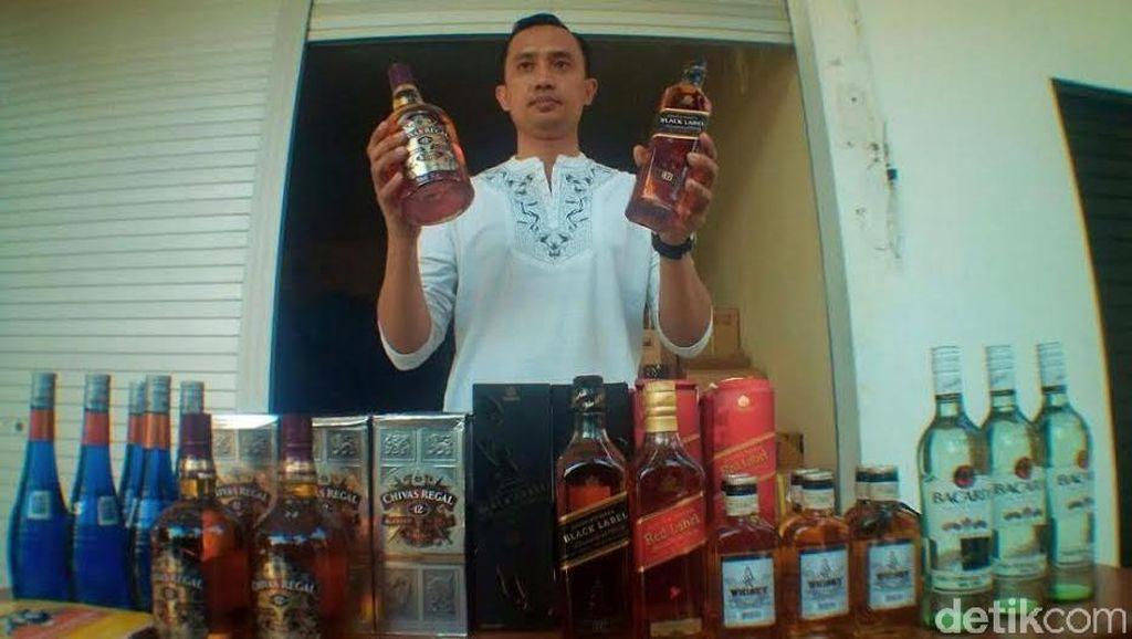 Pengiriman Ribuan Botol Miras Ilegal ke Makassar Digagalkan