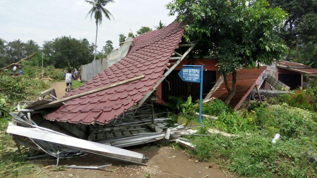 Puting Beliung Terjang Deliserdang, Puluhan Rumah Rusak dan Atap Beterbangan