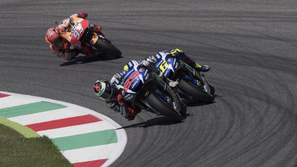 Marquez: Overtaking Rossi pada Lorenzo Agresif tapi Wajar