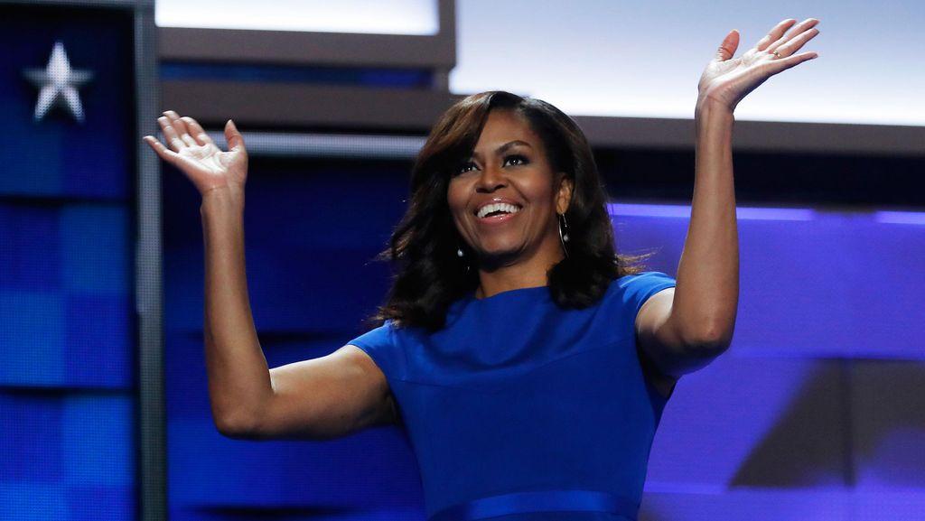 Berkampanye untuk Hillary, Michelle Obama Bujuk Mahasiswa AS Ikut Pilpres
