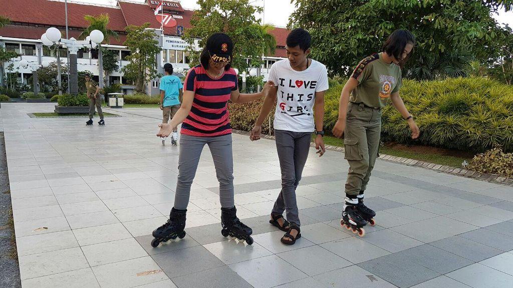 Satpol PP Surabaya Bakal Dilengkapi Inline Skate Untuk Sisir Pedestrian