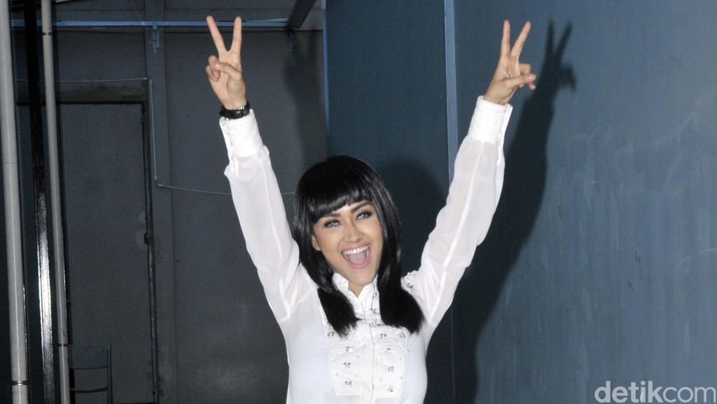 Julia Perez Sebut Kartika Putri Miss Drama Queen