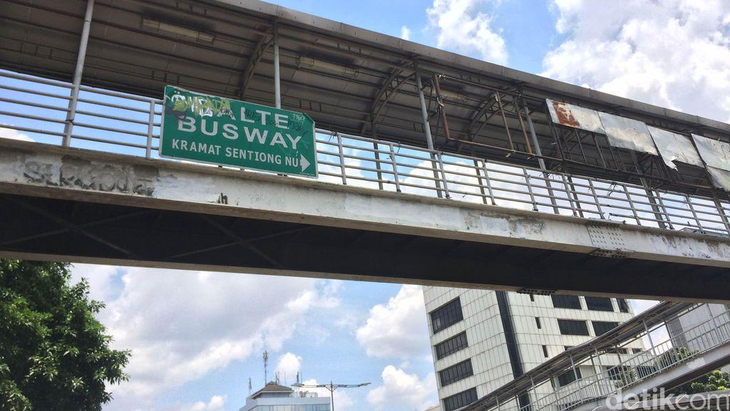 Mayoritas Jembatan Penyeberangan di DKI Sudah Uzur