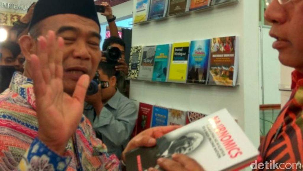 Mendikbud Akan Borong Buku Malaysia di Indonesia International Book Fair 2016