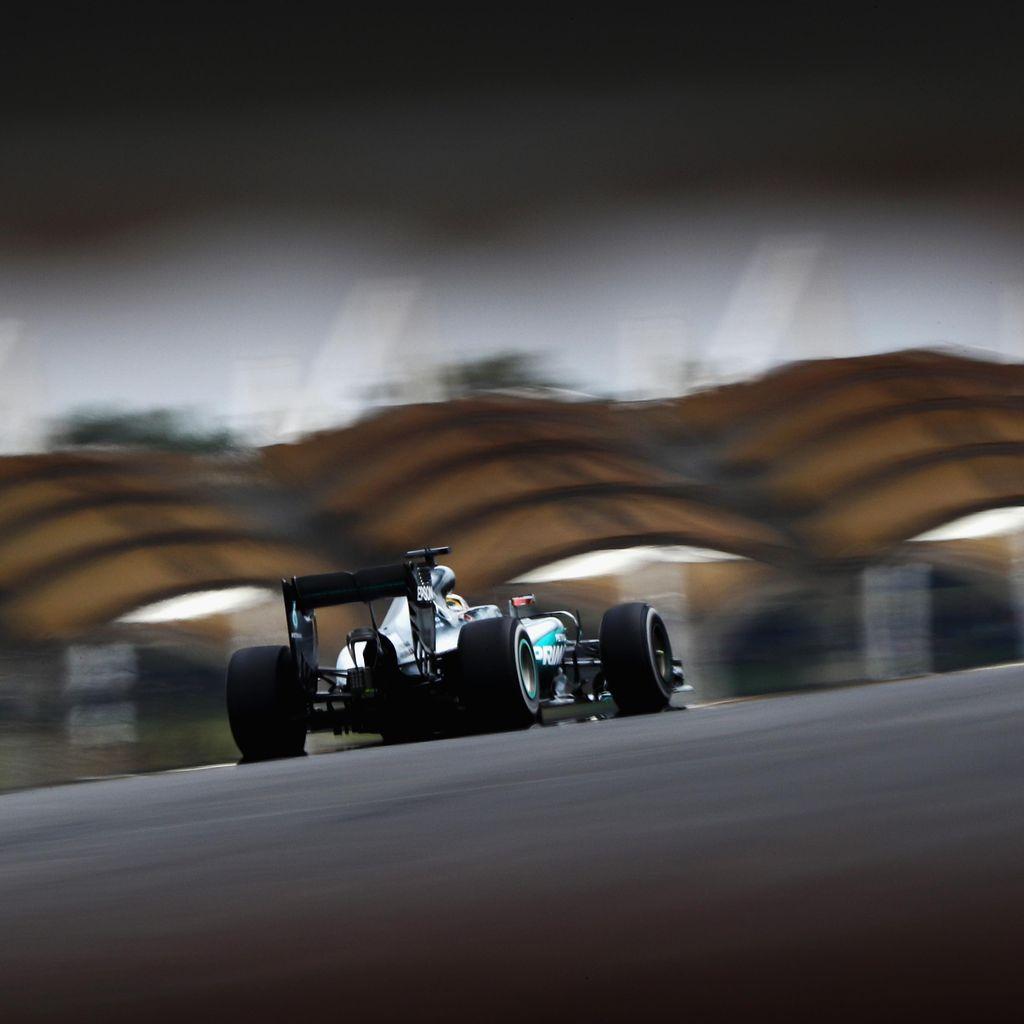 Hamilton Tercepat Lagi, Posisi Dua Kini Milik Verstappen