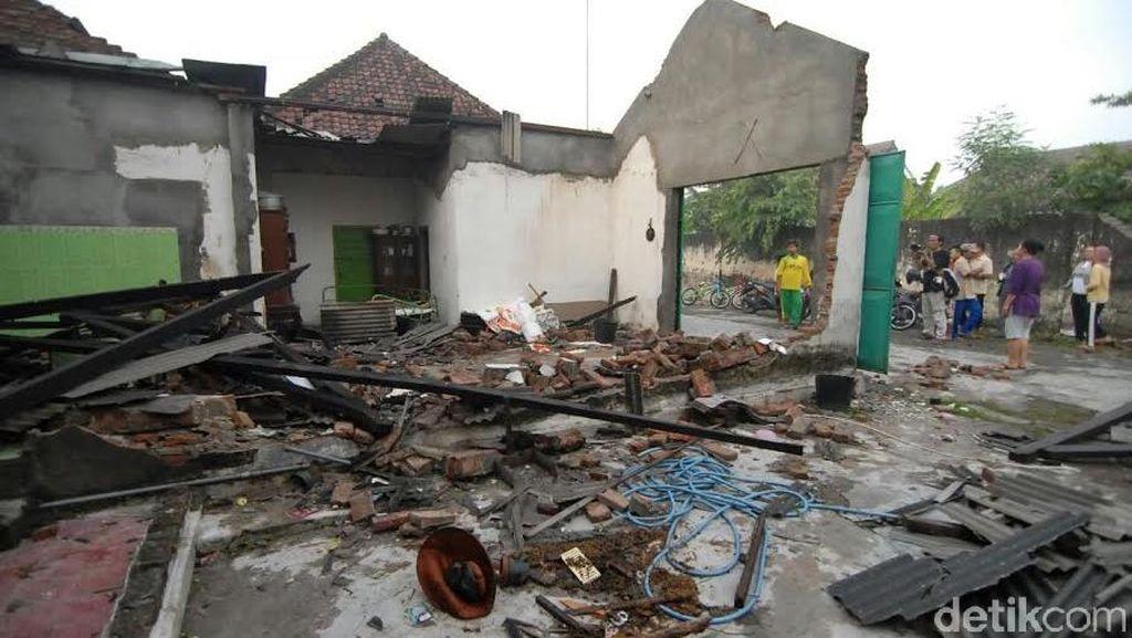 Puting Beliung Terjang Jombang, 80 Rumah Porak-poranda