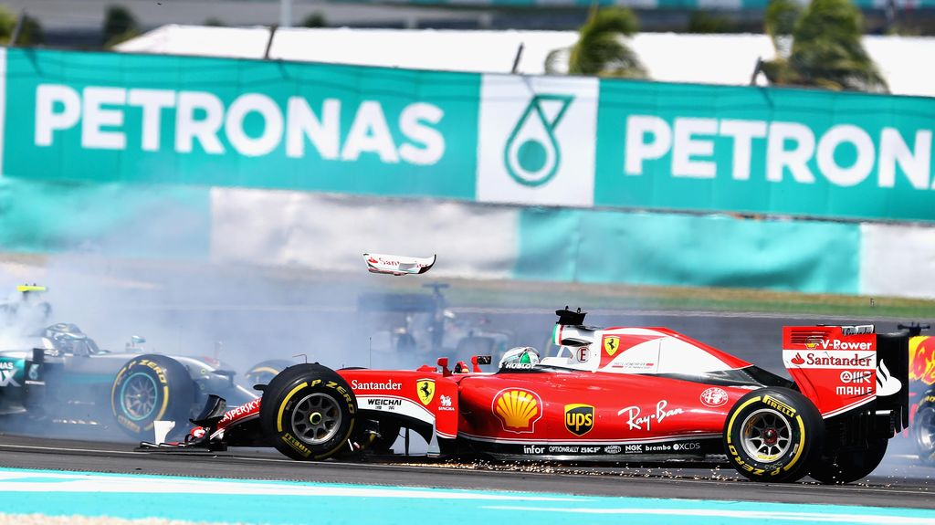 Tabrak Rosberg, Vettel Dihukum Mundur Tiga Grid di GP Jepang