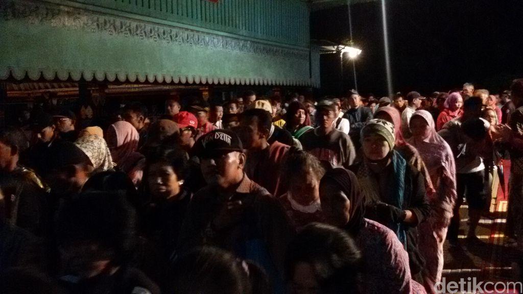 Dilepas Keluarga Keraton Yogyakarta, Ribuan Warga Ikuti Ritual Tapa Bisu