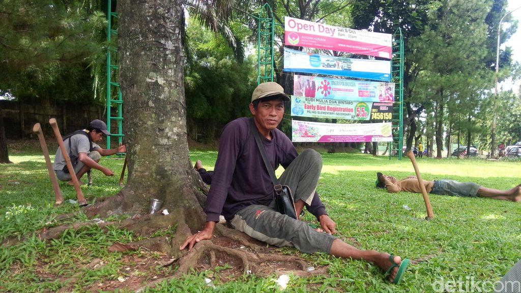 Balada Manusia Cangkul: 3 Hari Tak Dapat Order Terpaksa Utang untuk Makan
