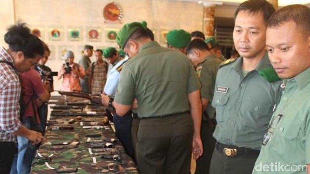 59 Senpi dan 6 Granat Disita TNI dalam Operasi 9 Bulan di Papua